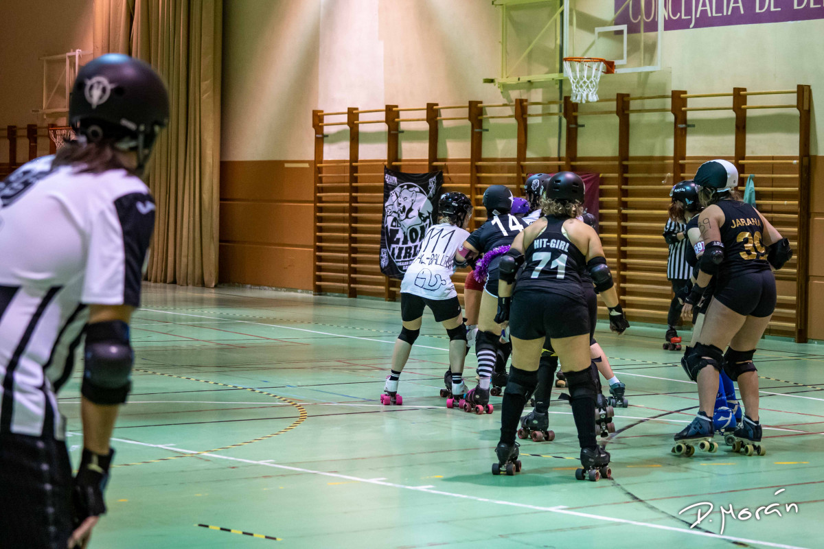 Scrimmage Mixto Navideño Lion Girls Roller Derby